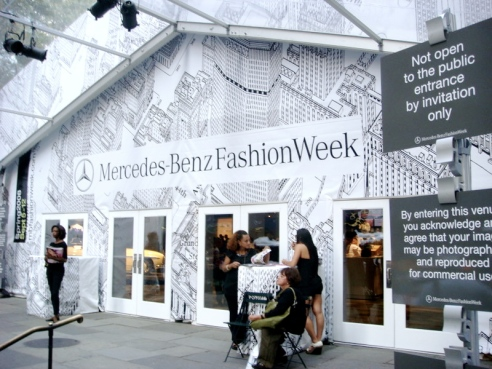ny-fashion-week-bryant-park-main-entrance